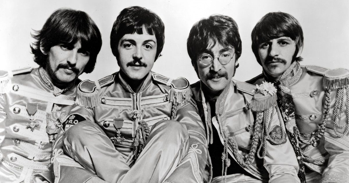 Beatles A Day In The Life 10 Things You Didn T Know The Beatles Beatles Photos Lonely Heart