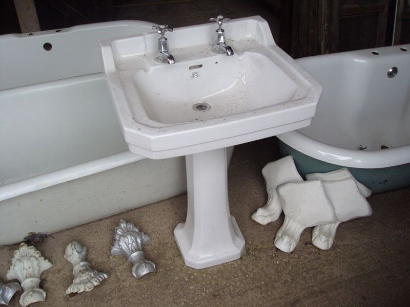 We Also Stock A Range Of Victorian Pedestal Sinks. The Picture Shows An  Early 20th