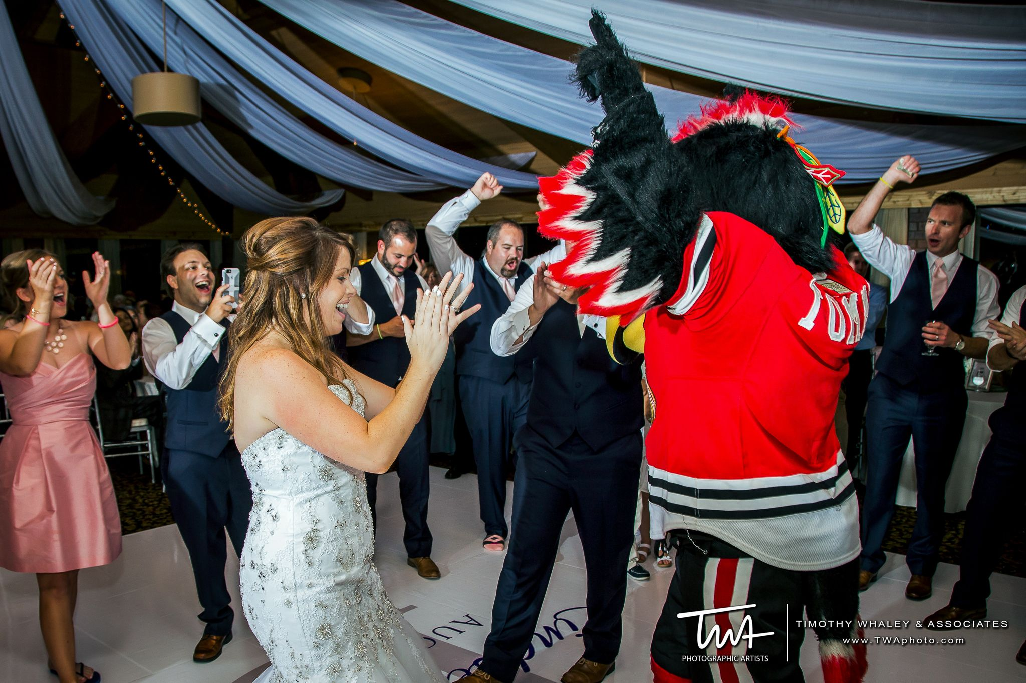 TWA Weddings at Kemper Lakes Golf Club | Click the picture to enter our Wedding Giveaway!