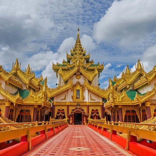 Karaweik palace barge on Kandawgyi Lake Rangoon Burma #KaraweikPalaceBarge #KandawgyiLake #Rangoon #RangoonBurma #Burma #HeathrowGatwickCars.com