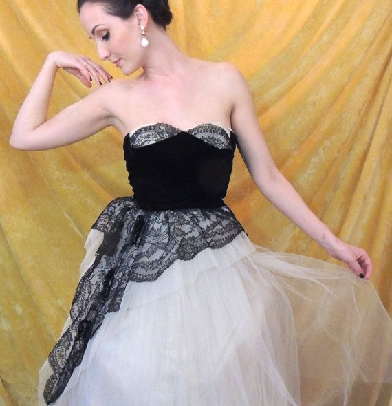 "Dramatic Black Velvet and Lace Prom Dress/Vintage 1950s Black & White Dress/25"" W/Full Off-White Tulle Skirt/Sweetheart/Strapless/Small by susieqsflashback. Explore more products on http://susieqsflashback.etsy.com"