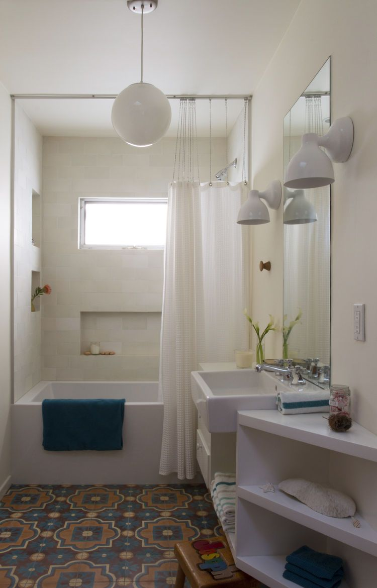 Bathrooms With Vibrant Moroccan Tiles