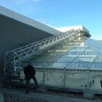 Atrium Gantry Is Powered Along On A Roof Track Atrium Skyway Facade