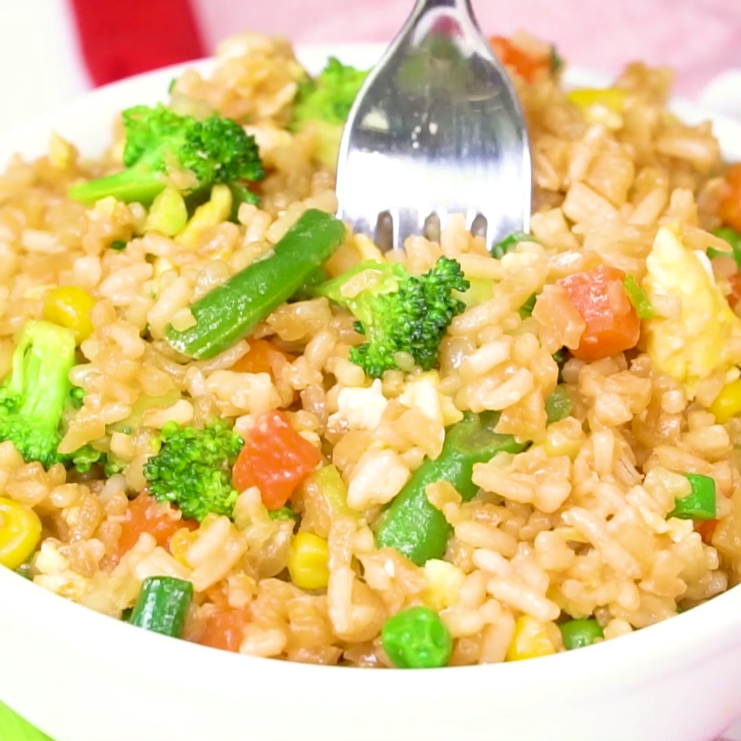 Cauliflower Fried Rice Charisse Yu Video Recipe Video Cauliflower Rice Recipes Fried Rice Fried Cauliflower