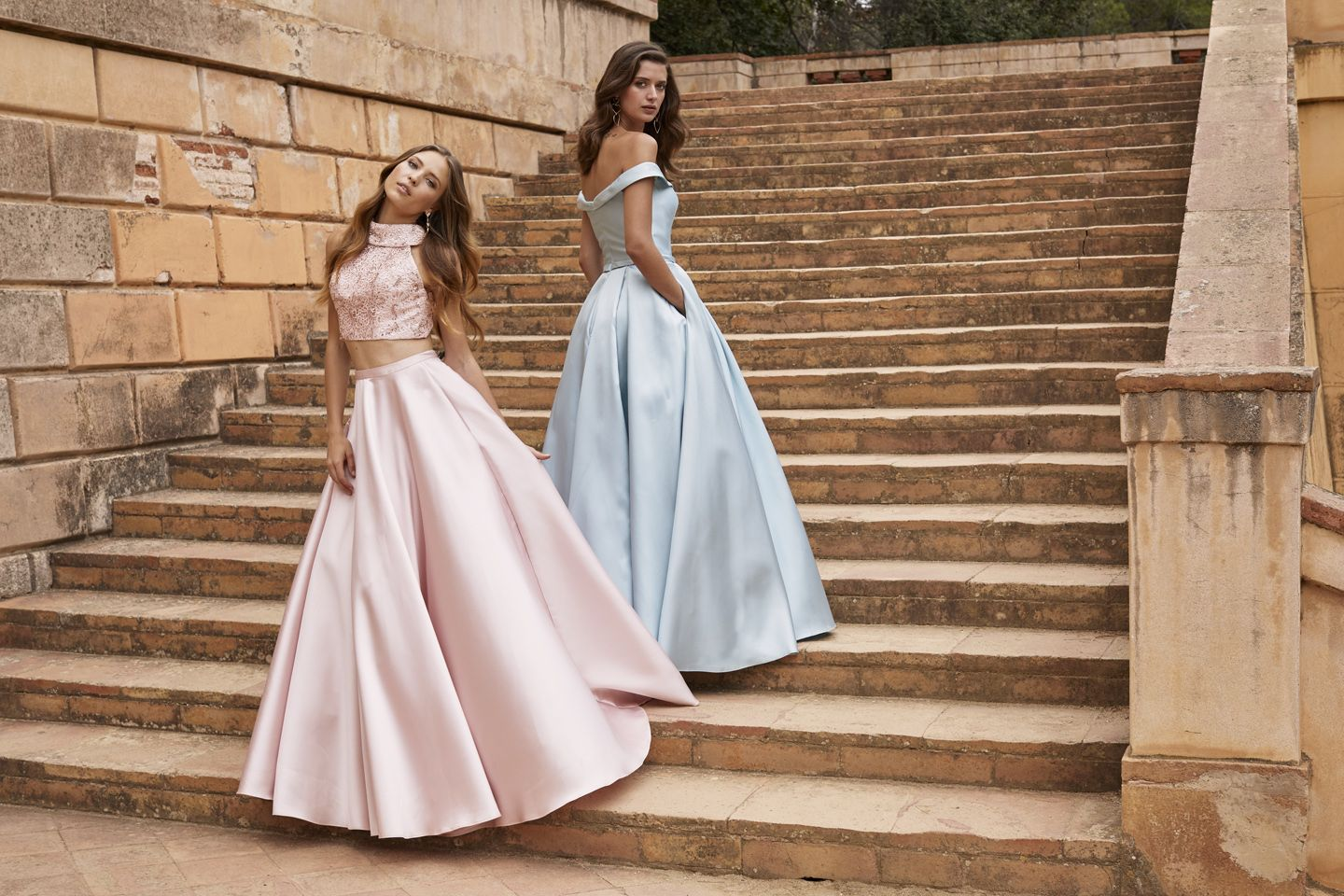 Perfect prom2k18 dresses! Pink: Two piece ball gown with pockets and ...