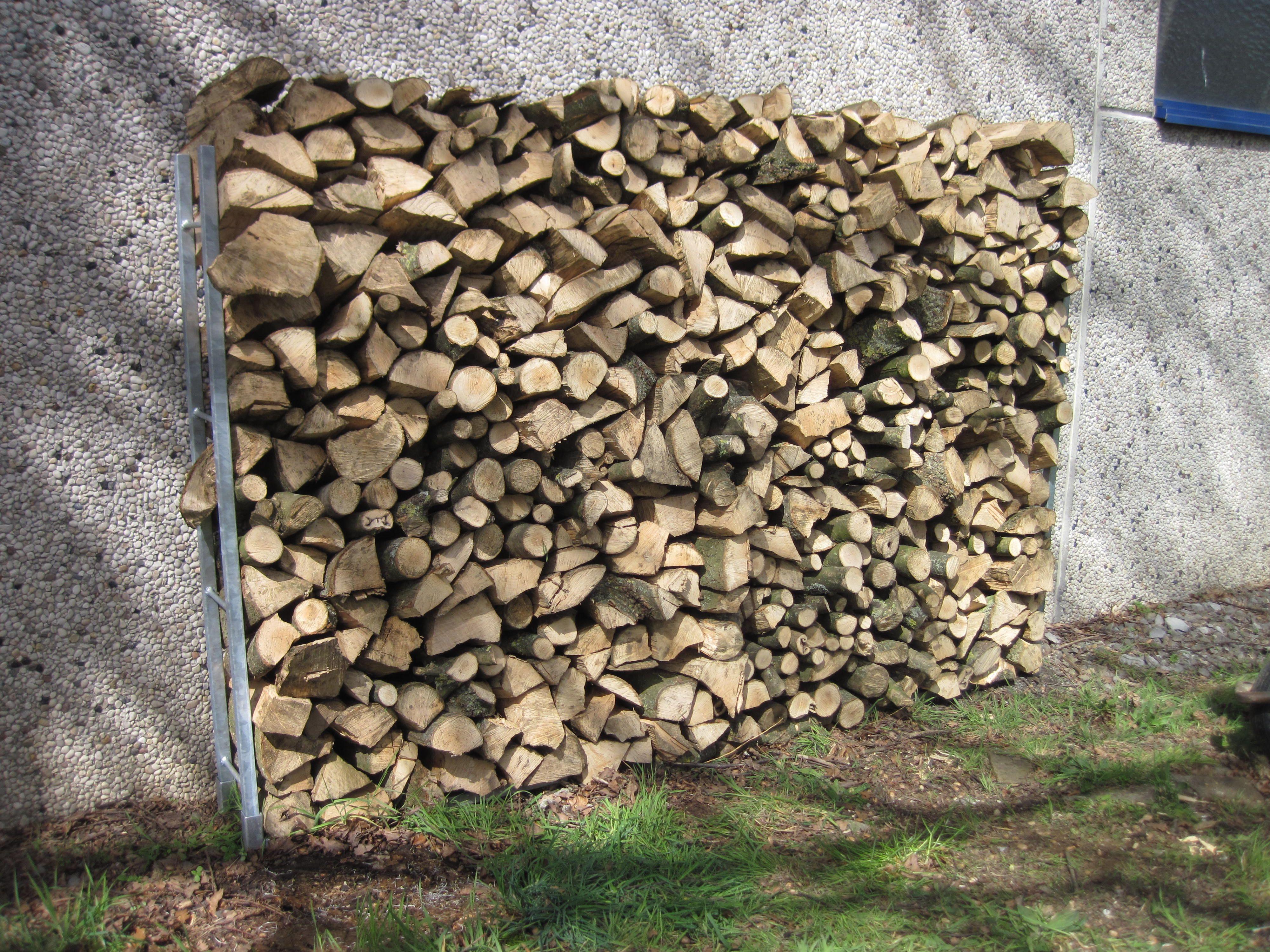brennholz st nder aus verzinktem stahl stabil aus eigener. Black Bedroom Furniture Sets. Home Design Ideas