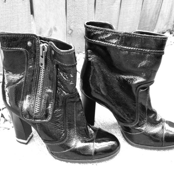 """Giani Bini Leather Boots Brand new leather ankle boots. Never worn. Patent leather with inside zipper and gold tipped 4"""" heals. Giani Bini Shoes"""