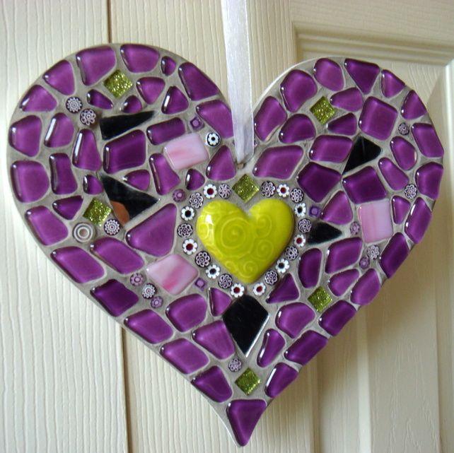 mosaic heart hanging gift idea mosaic hearts. Black Bedroom Furniture Sets. Home Design Ideas