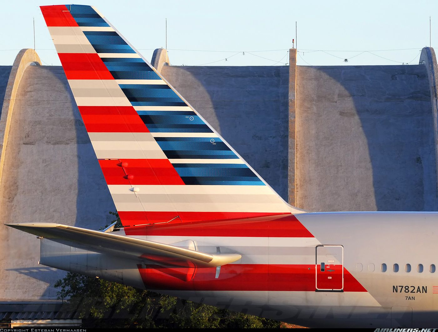 American Airlines Boeing 777223/ER EZE Boeing 777