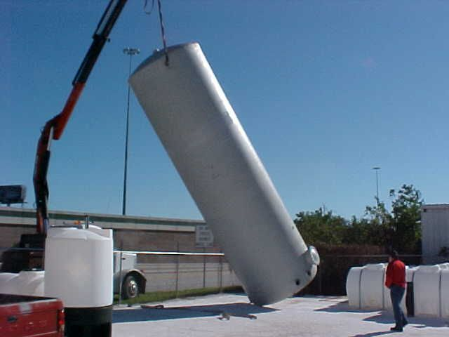 Fiberglass Tank 10 000 Gallons 24 Feet In Height Unloading And Setting Procedure From Amprotec Net Water Tank Water Wind Turbine