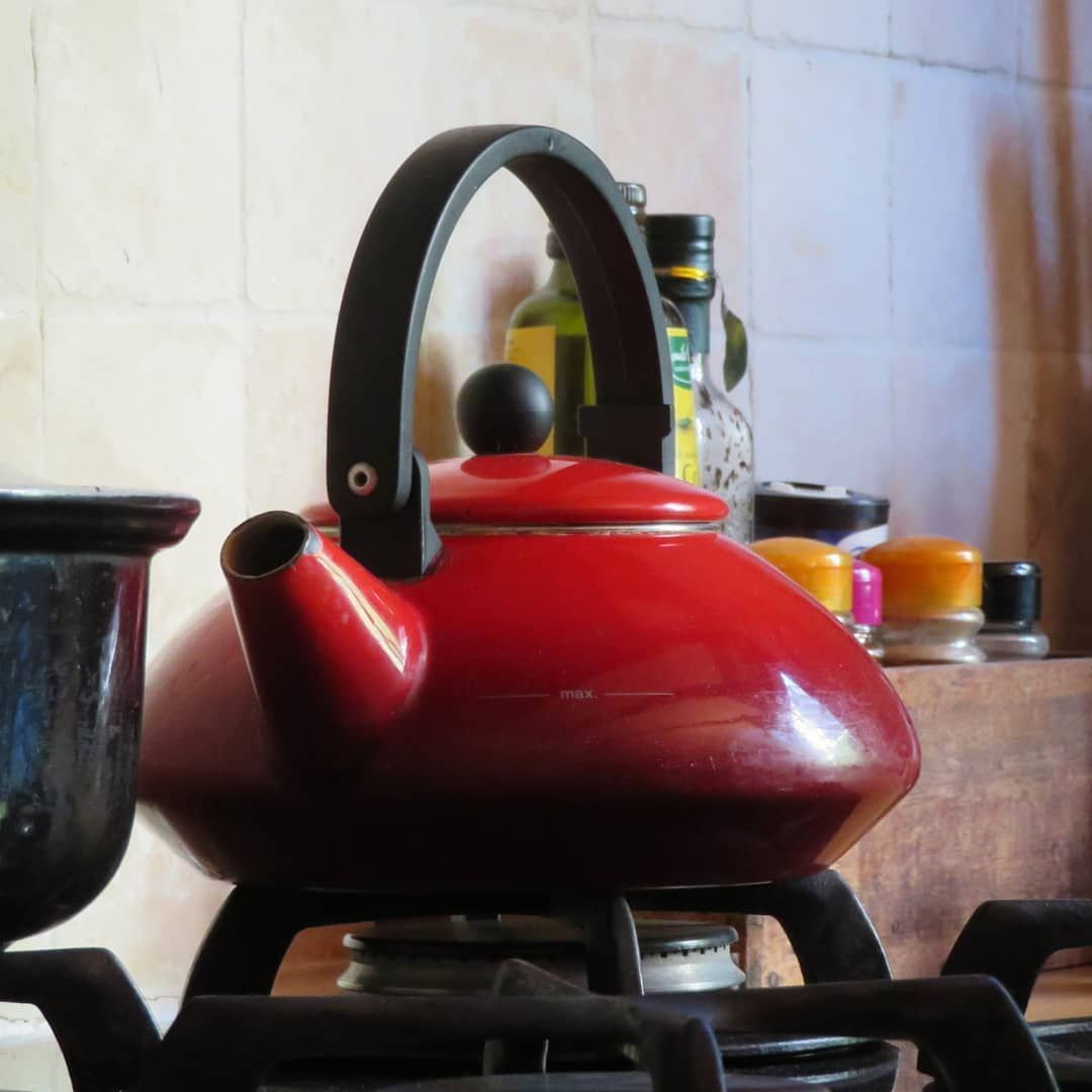 Morning light  #photography #red #teapot #kitchen #redteapot #paris #morning #morninglight #spices #stovetop