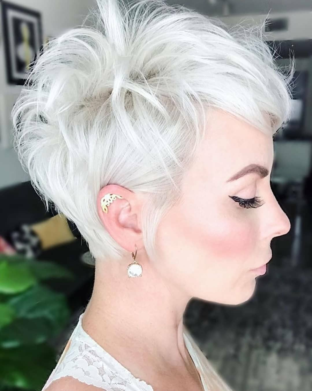 56 Gorgeous Short Hairstyles For Women 2020 In 2020 Short Hair Styles Pixie Short Hairstyles For Thick Hair Thick Hair Styles