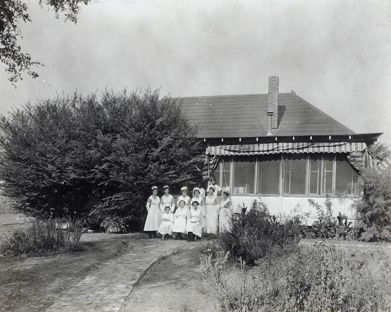 1913 in the early 1900s public health nurse mary