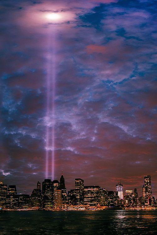 Pin By Klebert On New York Pinterest - Two beams light new yorks skyline beautiful tribute 911