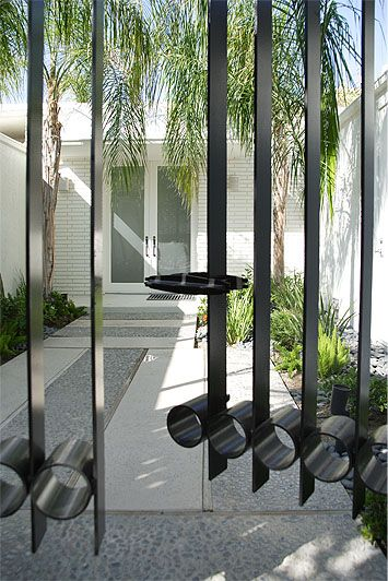 Mid Century Modern Iron Entrance Gate With Images Architecture