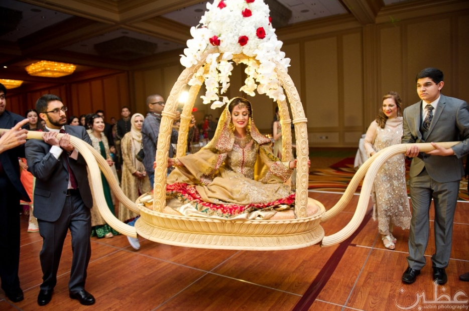Showstopping Bridal Entrance Photo By Uzbin Indian Wedding Bride Entry Pakistani Wedding