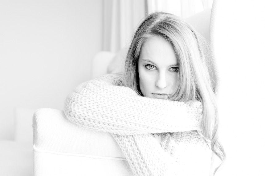 Portraits, Woman, Frauen, indoor, natural light, fashion, Fotograf, Sabine Lange, Biene-Photoart