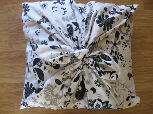 With this No Sew pillow idea you can change your pillows as often Gorgeous How To Make Decorative Pillows Without Sewing