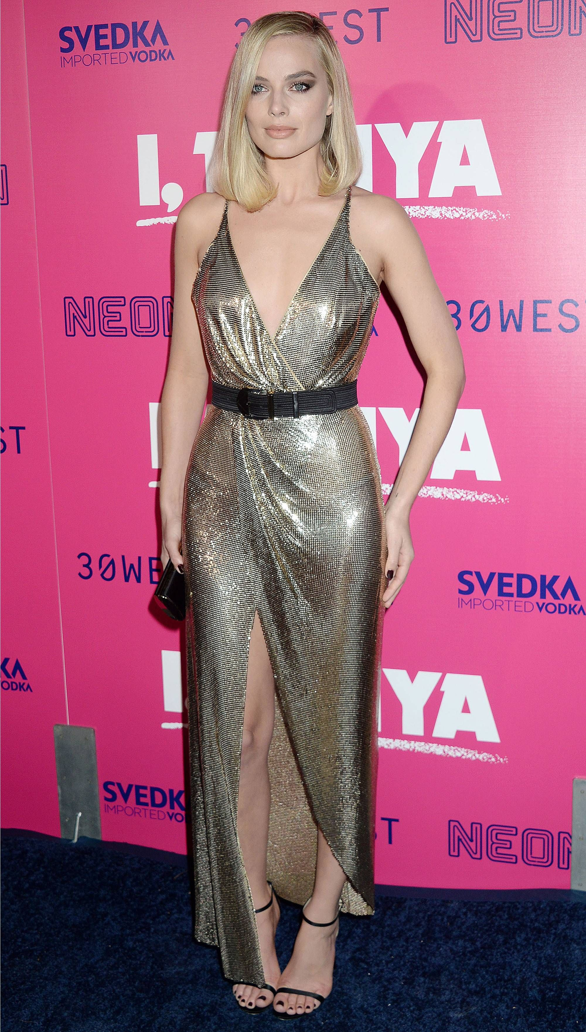 Margot Robbie Can\'t Contain Her Excitement as Tonya Harding Joins ...