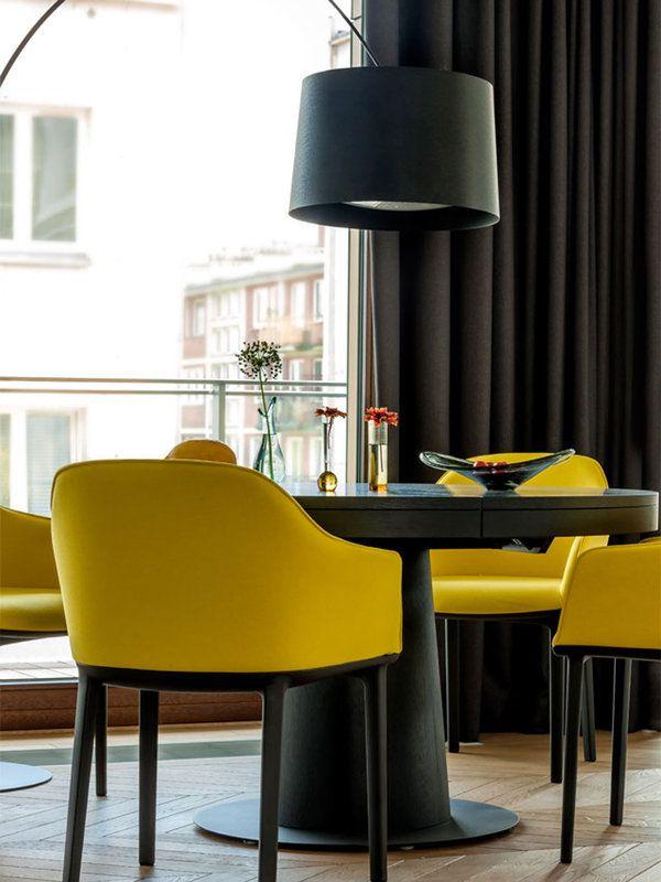 Un apartamento decorado con fantas a e imaginaci n for Sillones para apartamentos pequenos