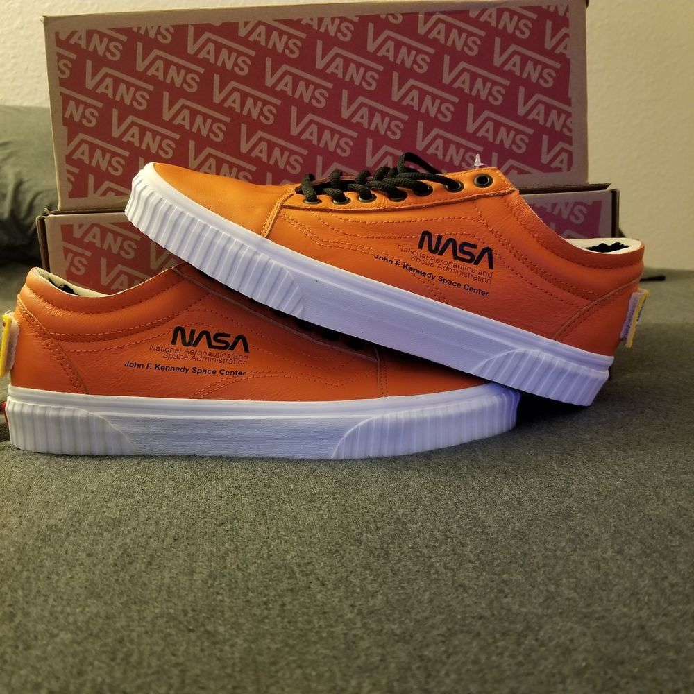 NASA x Vans Old Skool Space Voyager Firecracker Red Orange Men s size 9.5 107f8109b