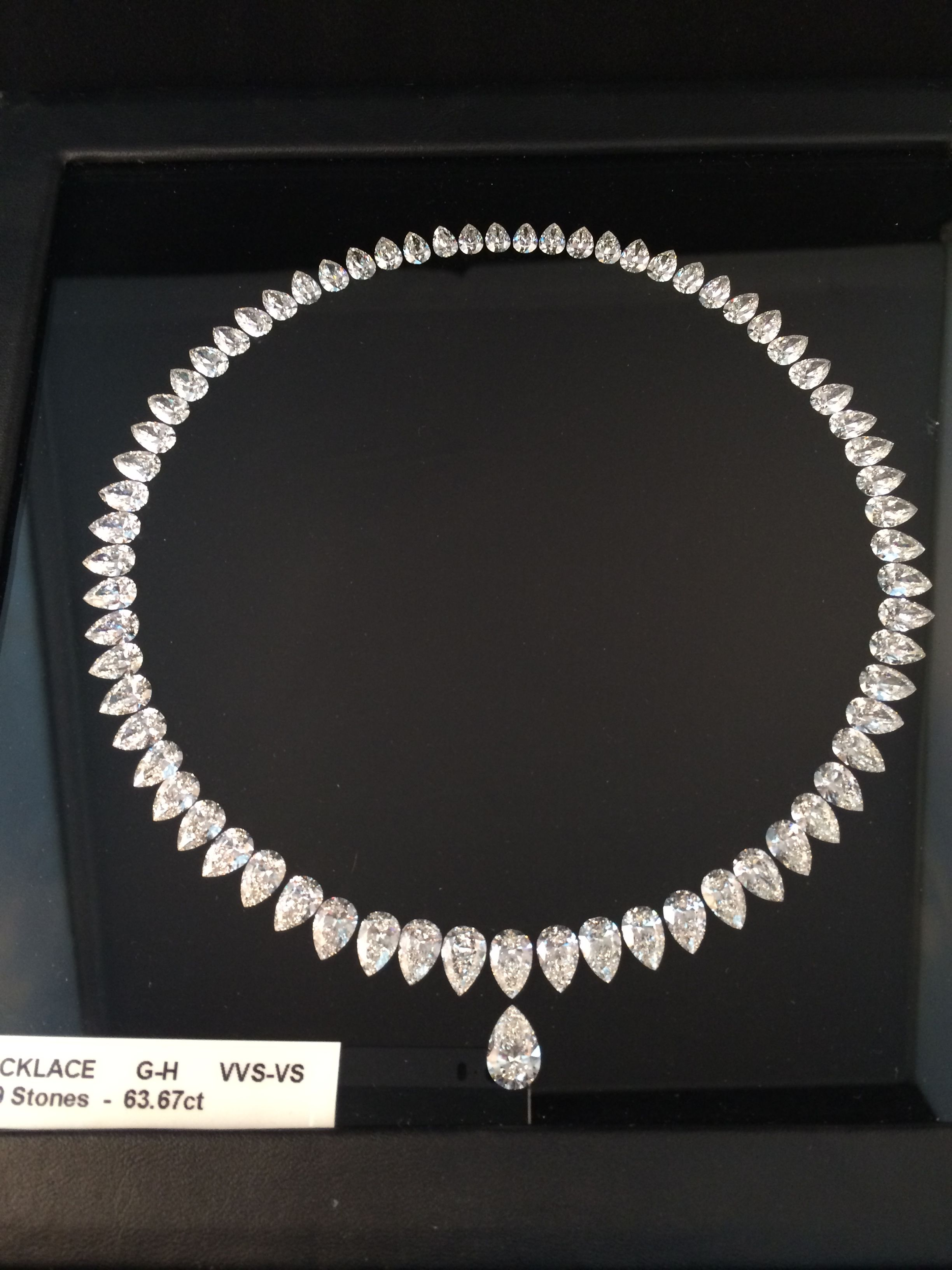 #Diamondsale Brand New Layout for necklace, starting at 0.50ct till 2ct GH VVS-VS GIA certified For more info and price: info@by-alain.com