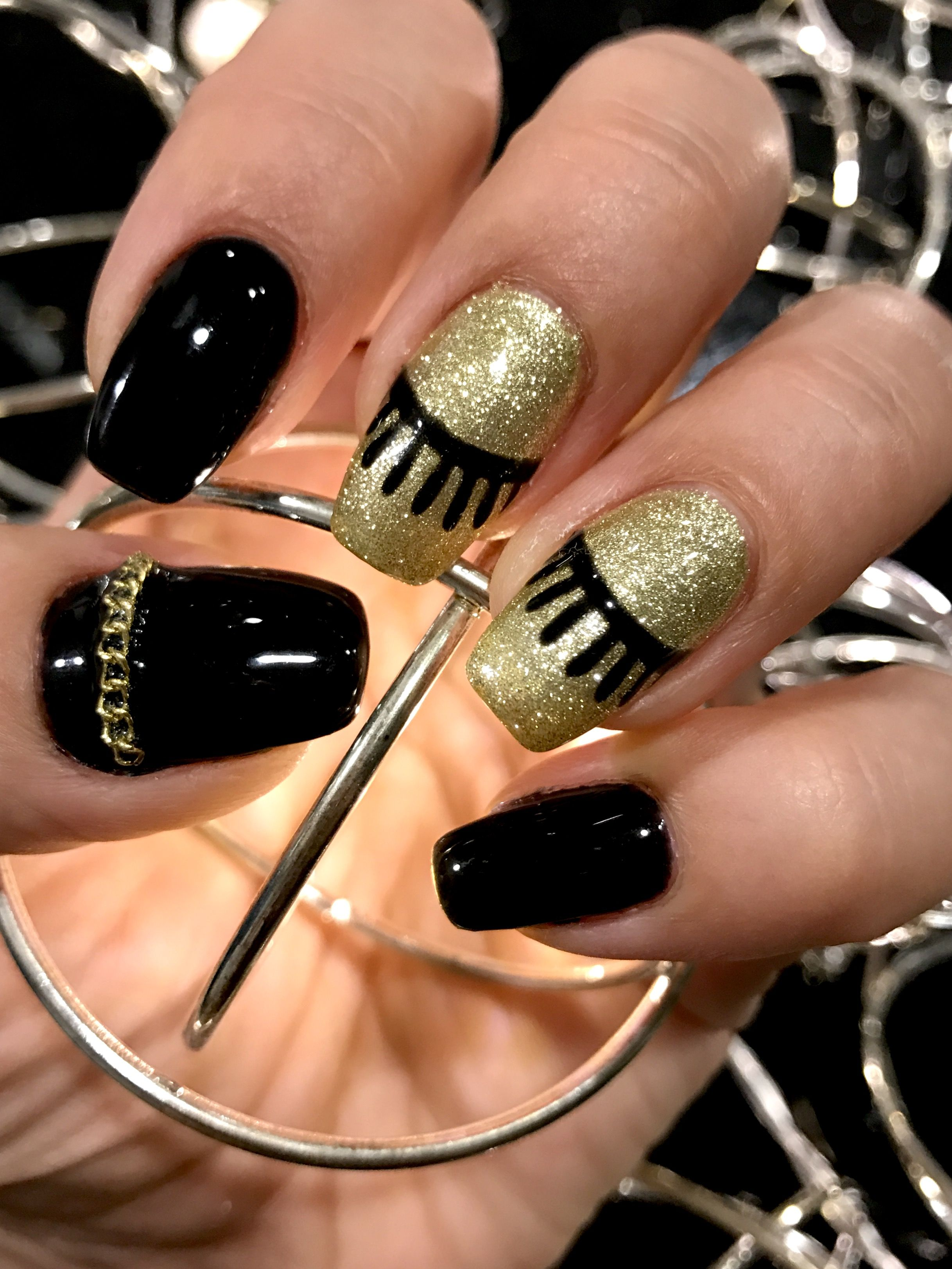 Fashion nails Eyelashes design In gold and black colors . Great for ...