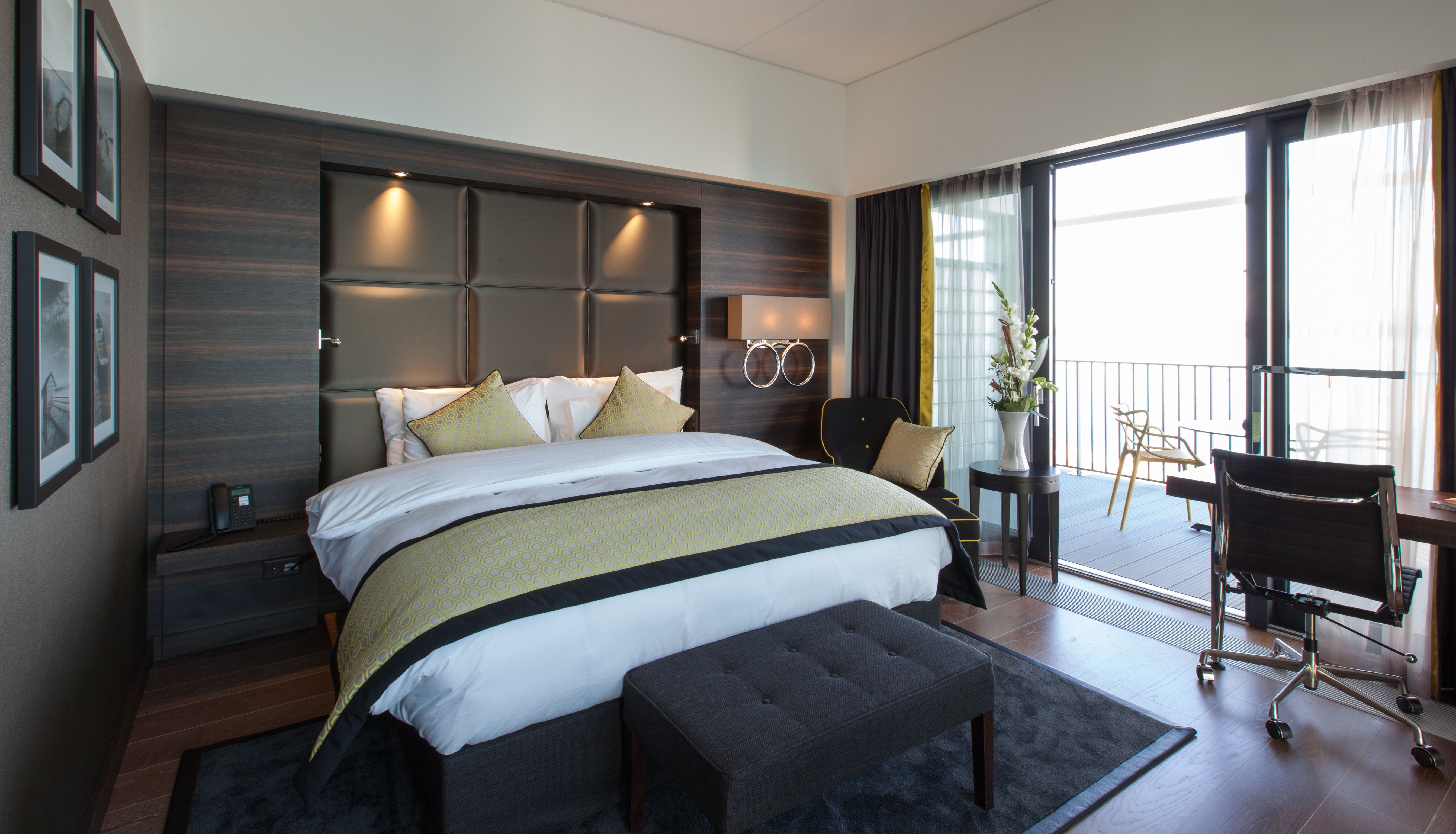 chambre h tel hotel de luxe beaulac suisse made by james agencement made by la maison james. Black Bedroom Furniture Sets. Home Design Ideas