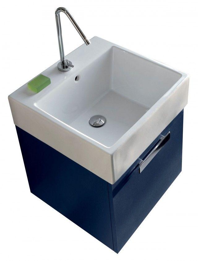 La lavanderia uno spazio per nascondere lavatrice e - Mobile contenitore lavatrice ...