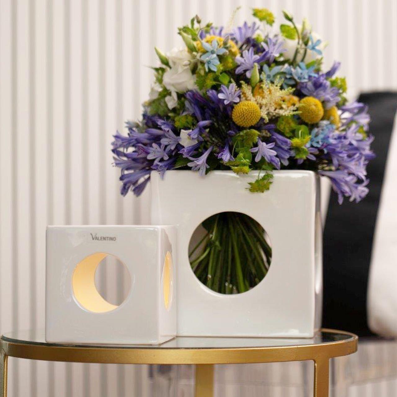 Windlicht Vase Oder Tragbare Led Lampe Die Wurfel Cube Aus Keramik Passen Sich Deinen Ideen An Schlichte Formen Fur Beistelltische Si In 2020 Decor Vase Home Decor