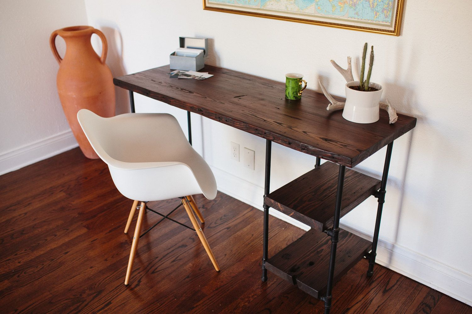 Recuperation De Meubles A Domicile Reclaimed Wood Desk W 2 Shelves By Craftgather On Etsy 650 00