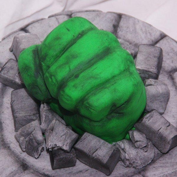 The Incredible Hulk Fist Cake Taart Picture hulk Pinterest