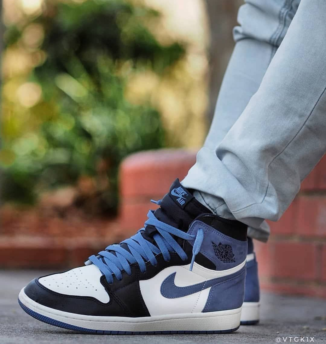 Blue Moon 1 S Vtgk1x Use Our H Sneakers Sneaker Bar Blue Moon
