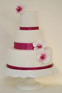 V Schlichte Moderne Hochzeitstorte Pink Weiss Hochzeitstorte
