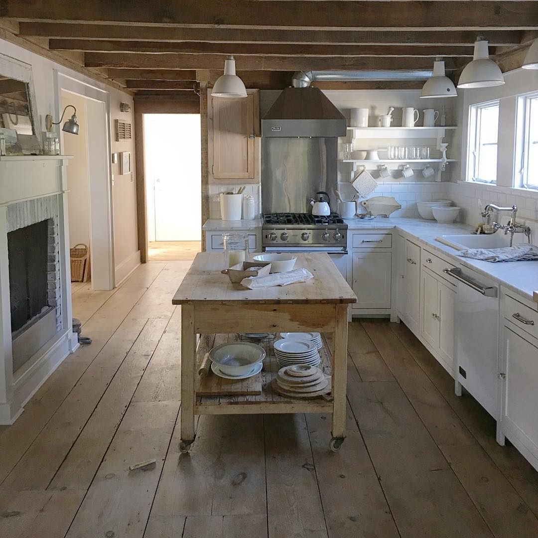 1 530 Likes 52 Comments White Flower Farmhouse Whiteflowerfarmhouse On Instagram Farmhouse Kitch Kitchen Fireplace Cottage Kitchens Country House Decor