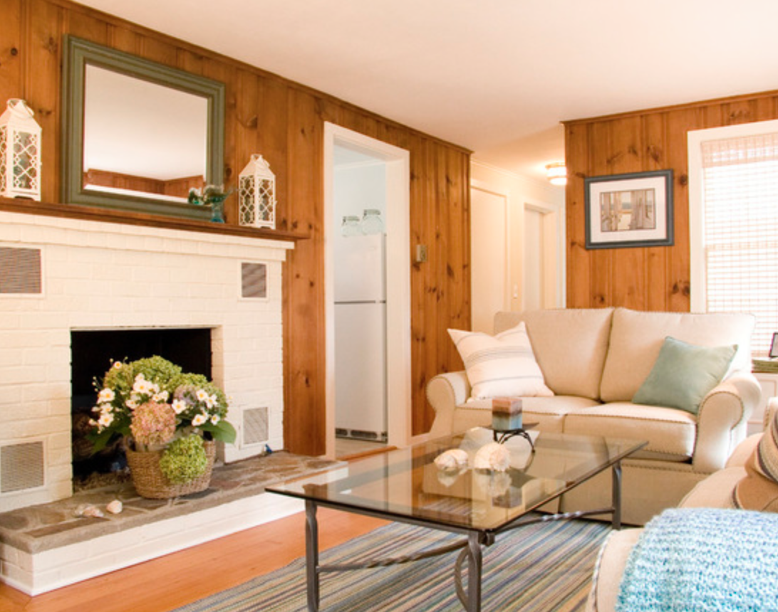 Lighten A Knotty Pine Paneled Room With Lots Of Natural Sunlight Sheer Window Coverings White Knotty Pine Living Room Cottage Living Rooms Knotty Pine Walls