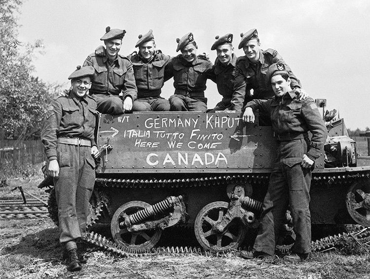 Pin by Angel Melendez on World War 2 | Canadian soldiers ...