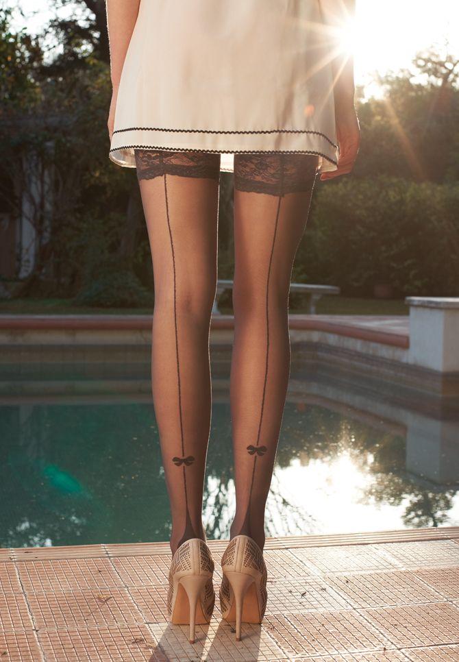 стройные худые ноги в чулках эти