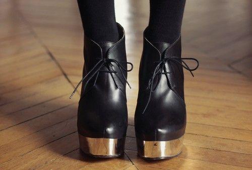 Acne shoes