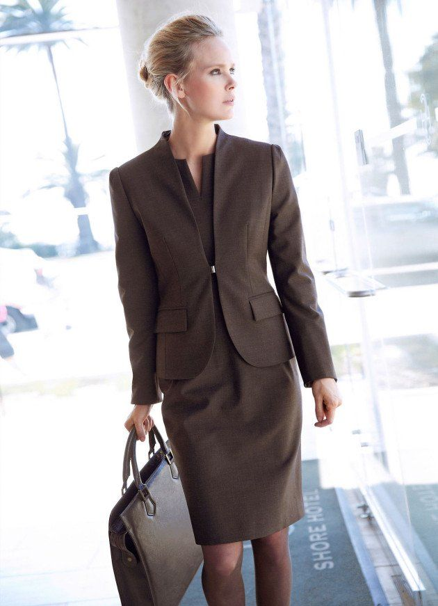 Top 18 Classy & Elegant Fashion Combinations for Business Woman - Style Motivation