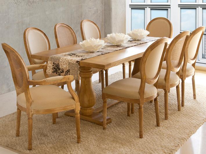 Mesa vintage en madera de olmo con patas dise o torneado for Sillas salon vintage