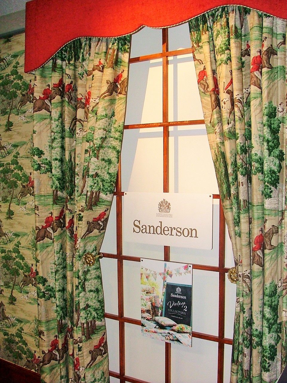 Fabric and wallpaper for the Sanderson Vintage 2
