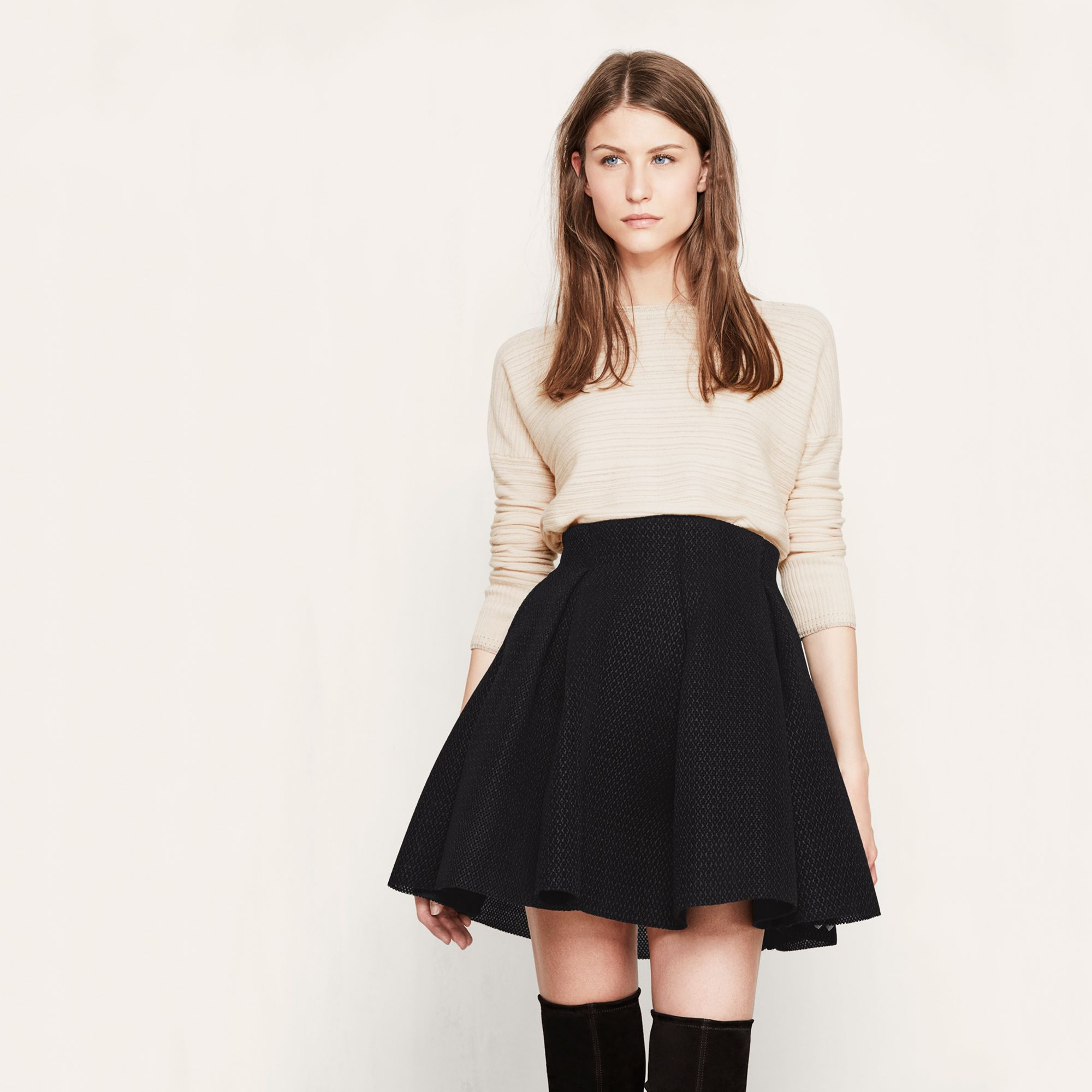 9da54961a868e2 The JAKE skirt. | the look | Jupe courte, Jupe et Jupe patineuse