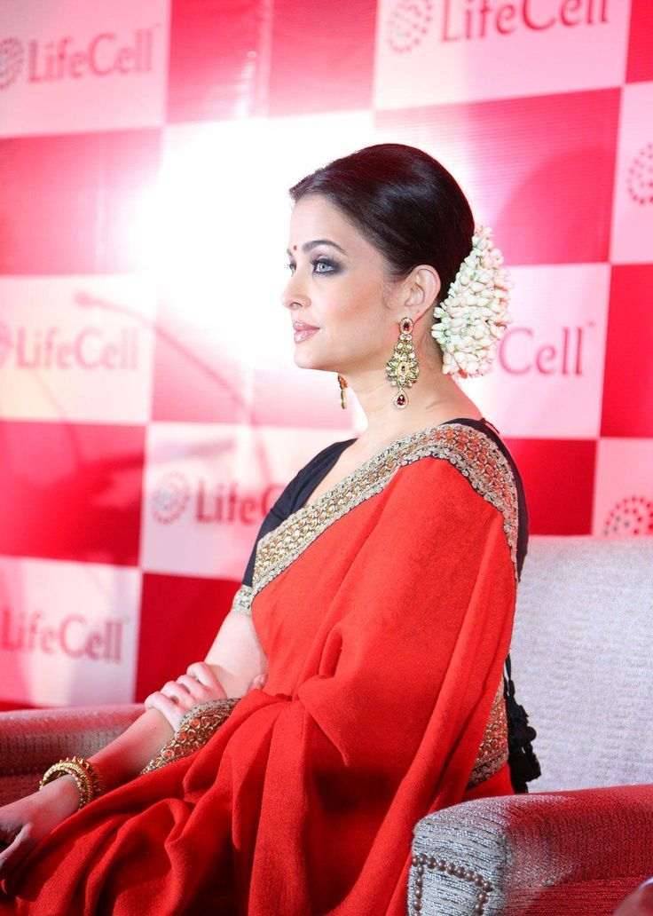 Get Aishwarya Rai Latest Wallpapers Watch Sexy Videos Online For Free Download Desktop Hd Hot Pictures To Your Computer And Make It Spicy Today