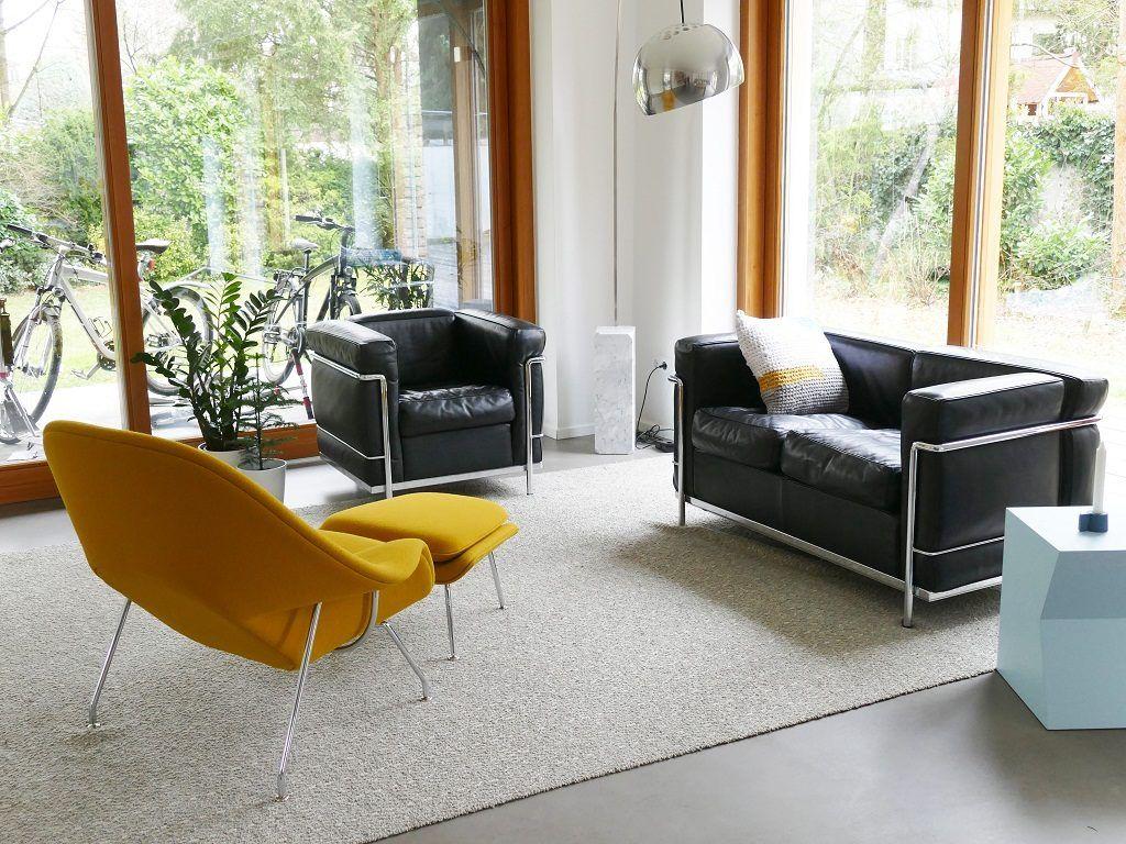 Wohnzimmer Karlsruhe ~ Im wohnzimmer findet quasi ein gipfeltreffen modernen designs