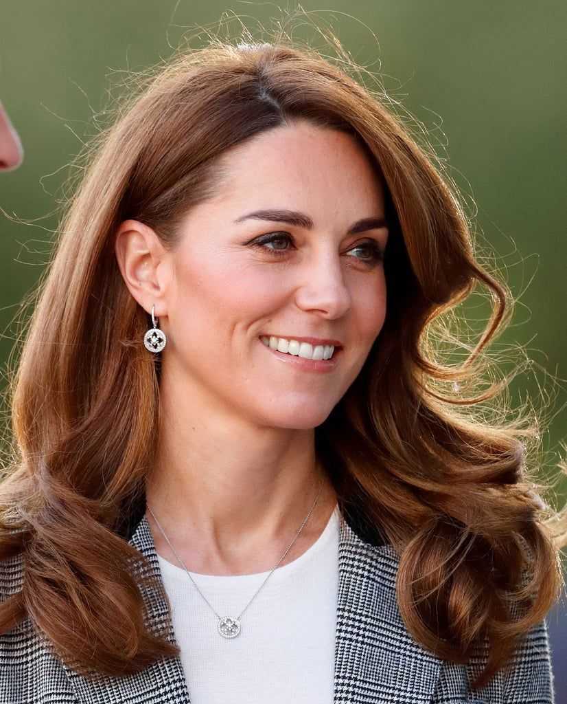 Kate Middleton S 50 Best Hairstyles Over The Years In 2020 Cool Hairstyles Hair Styles Down Hairstyles
