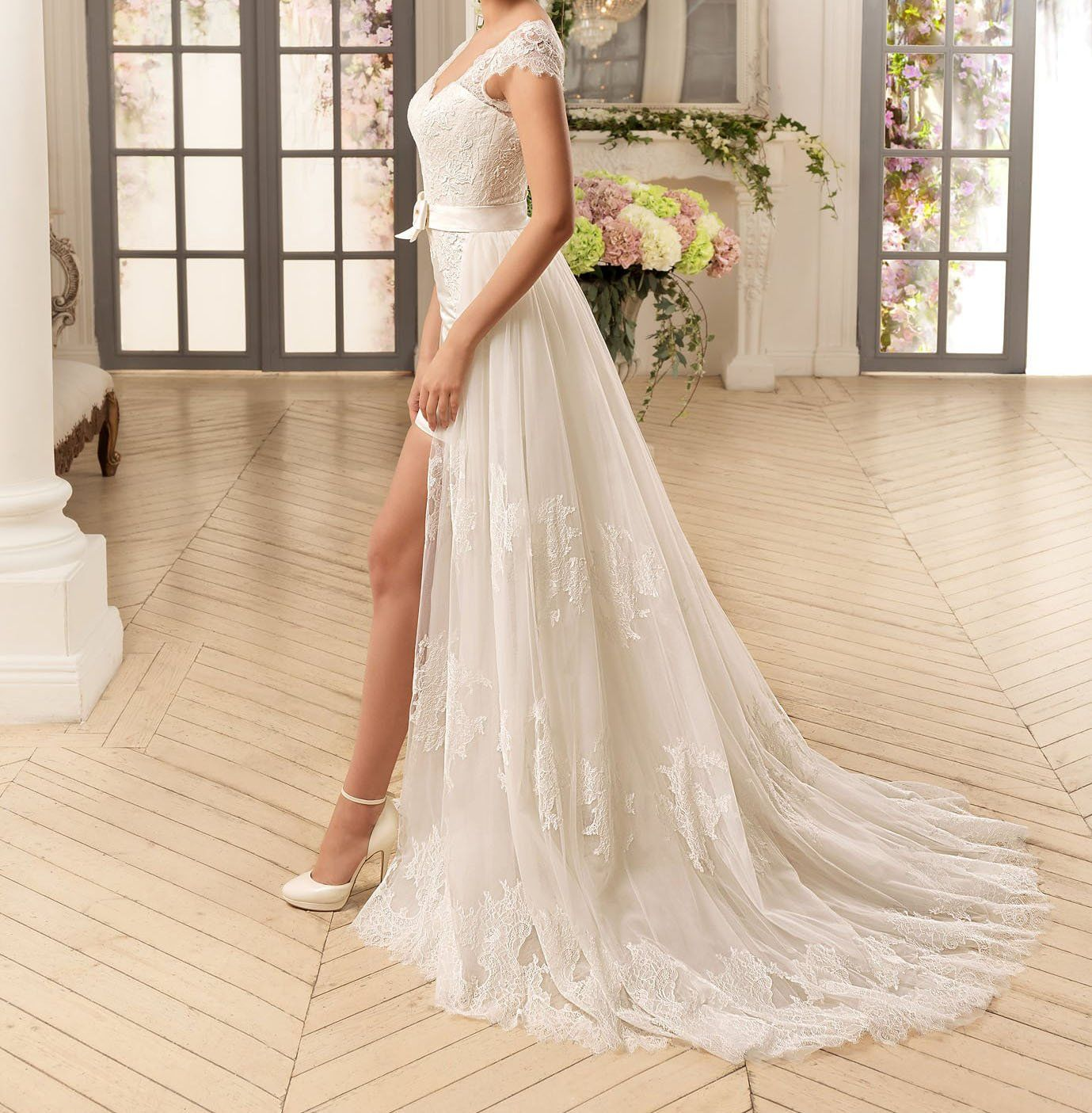 a5b3990132 Graceprom Womens 2018 Sexy V Neck Short Lace Wedding Dresses with ...