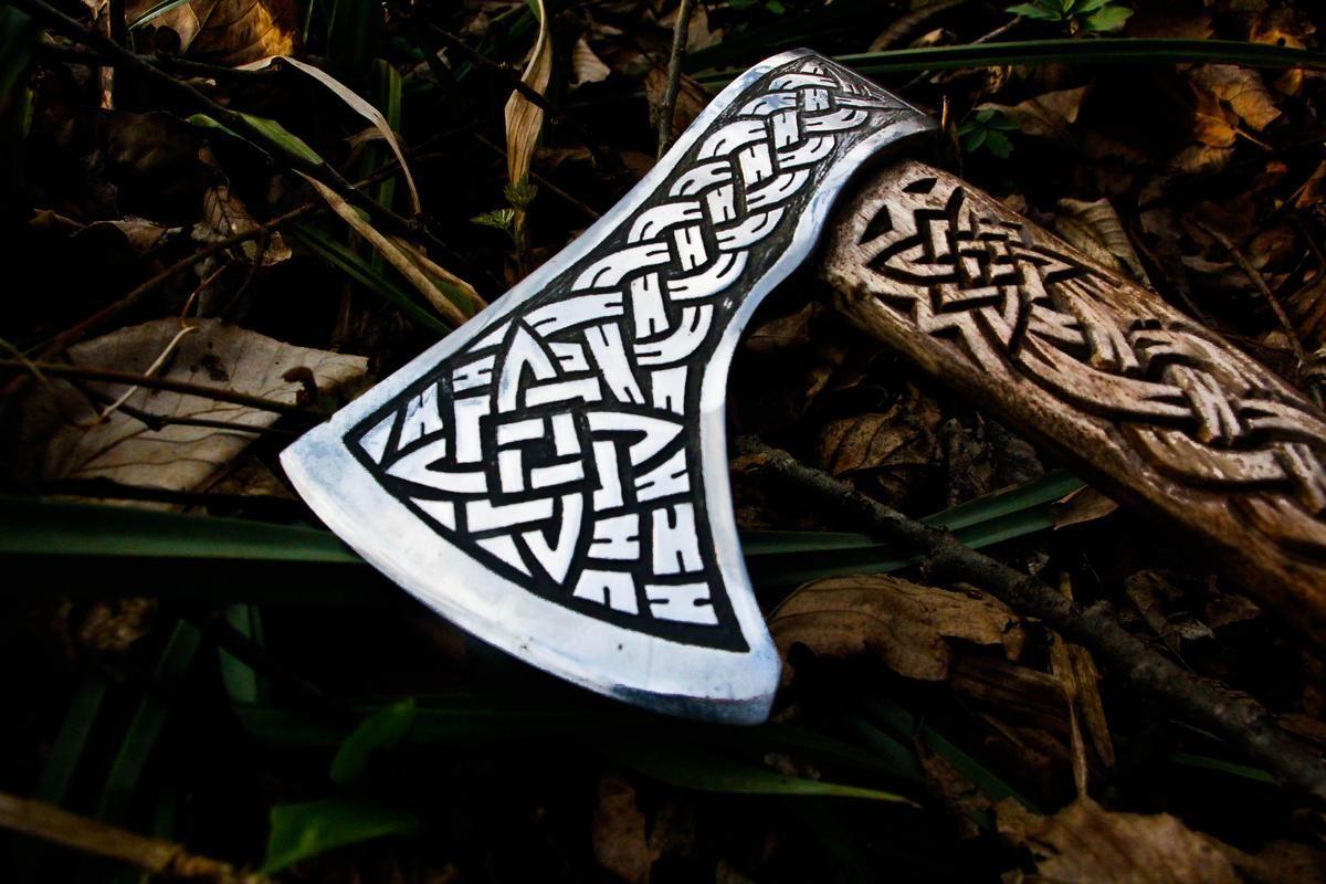Handmade Viking Axe - Viking Symbol