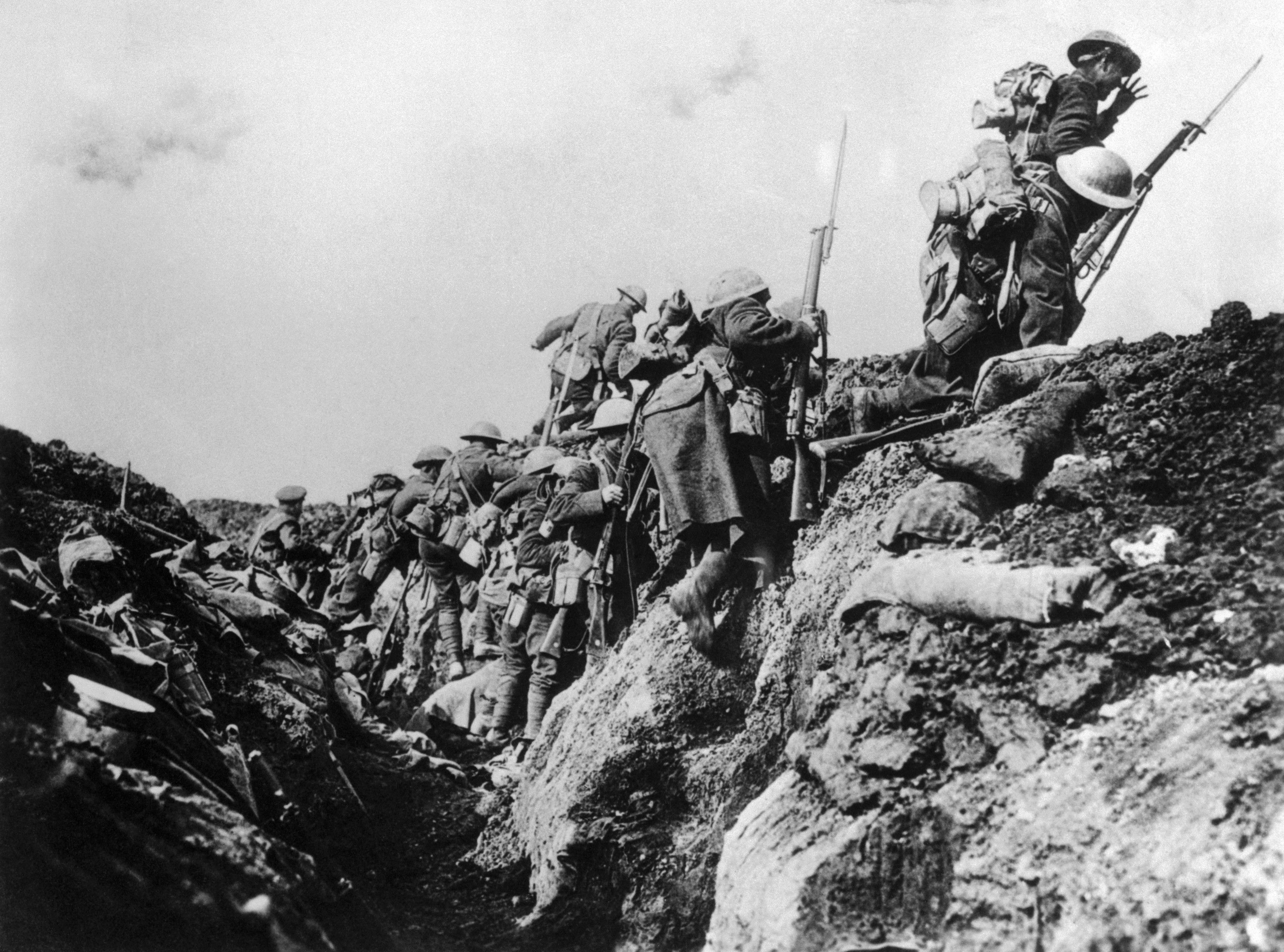 world war 1 trench warfare Trench foot was more of a problem at the start of trench warfare as conditions improved in 1915 it rapidly faded, although a trickle of cases continued throughout the war the trench cycle typically, a battalion would be expected to serve a spell in the front line.