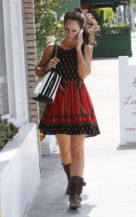 Jennifer Love Hewitt Fashion and Style - Jennifer Love Hewitt Dress, Clothes, Hairstyle - Page 2